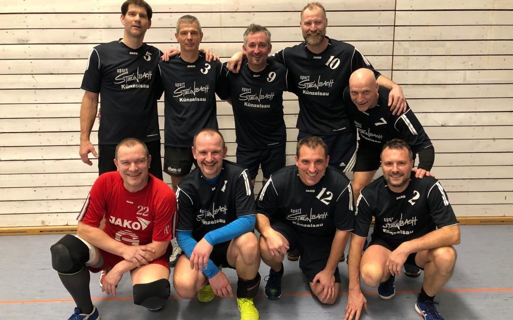 http://volleyball.sg-sportschule.de/wp-content/uploads/2020/01/Ü41_Team-1024x640.jpg